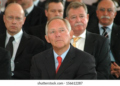 AUGUST 14, 2006 - BERLIN: Wolfgang Schaeuble and others at a reception for the German national soccer team after the world championship, Schloss Bellevue, Berlin.