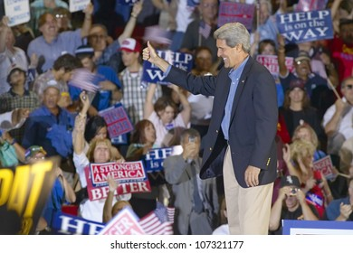 AUGUST 2004 - Senator John Kerry gives thumbs up to audience of supporters at the Thomas Mack Center at UNLV,  Las Vegas, NV