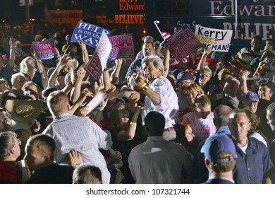 AUGUST 2004 - Senator John Kerry interacting with crowd at outdoor Kerry Campaign rally, Kingman, AZ