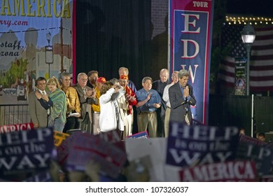 AUGUST 2004 - Senator and Mrs. John Kerry on stage of Believe in America campaign tour, Kingman, AZ