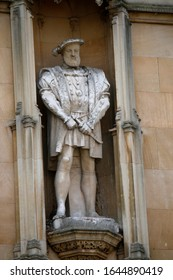 AUGUST 2019 - CAMBRIDGE: a statue of King Henry XIII, Cambridge University, England.