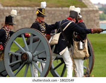 August 9/2008- Fort Erie, ON, Can.: An American gun crew prepares to fire during the 22nd Annual Siege of Fort Erie weekend, a War of 1812 reenactment.