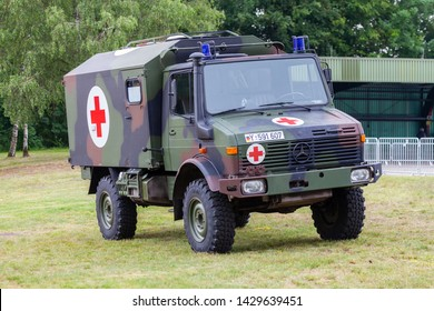Army Ambulance Images, Stock Photos & Vectors | Shutterstock