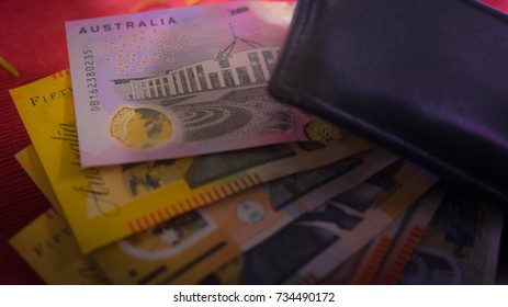 AUS banknotes with shadow are clipping by wallet