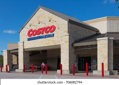 AUSTIN, TEXAS - AUGUST 29 2017: the front of a Costco store just a minute after opening
