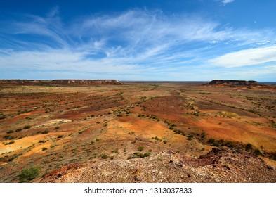Australia, arid landscape in Kanku National Park with The Breakaways rock formation near Coober Pedy