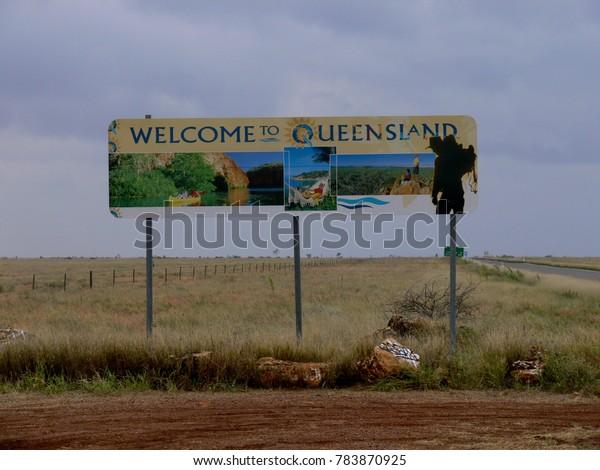 AUSTRALIA, BARKLY HIGHWAY, BORDER NORTHERN TERRITORY / QUEENSLAND,  MAY 17, 2010: Welcome sign to Queensland