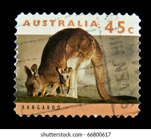 AUSTRALIA - CIRCA 1994: A stamp printed in Australia shows Kangroo, series, circa 1994