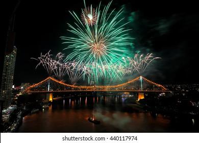 Australia Landscape : Brisbane River Firework at Story Bridge