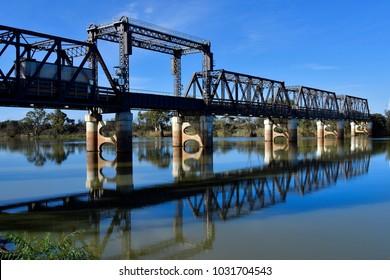 Australia, NSW, Abbotsford bridge over Murray river, a single lane steel truss bridge