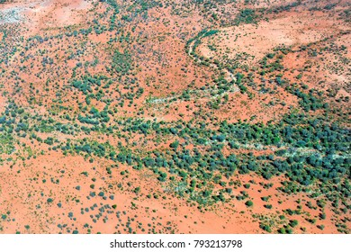 Australia, NT, arerial view from outback with dries up river around Alice Springs