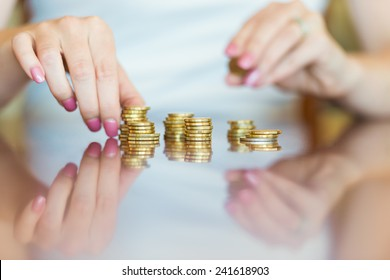 Australian Currency - Lady counting coins