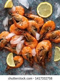 Australian prawns with lemon and ice