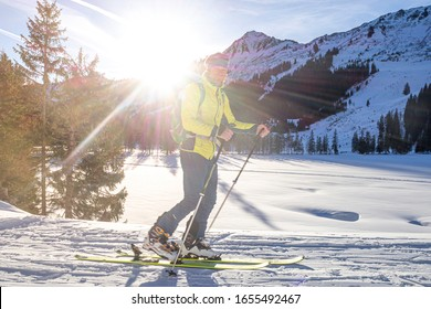 Austria, Allgäu, Kleinwalsertal, ski tourer at the Schwarzwassertal