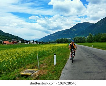 Austrian Alps-cyclists on the road to the Gajach