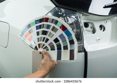 Auto body repair series: Comparing car color with color chart