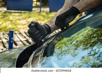 auto glass repair and windshield replacement