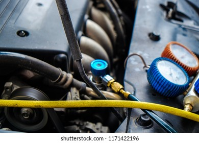 Auto monitor pressure gage engine check and fix air of car, Vehicle maintenance