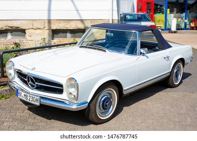 Auto show in Paderborn, vintage car Mercedes Benz 230 SL Pagode, 08-08-2019