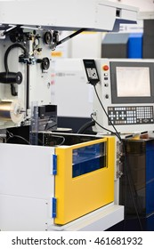 Automated metal cutting machine