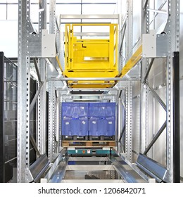 Automated Pallet Shuttle Storage and Retrieval System in Distribution Warehouse