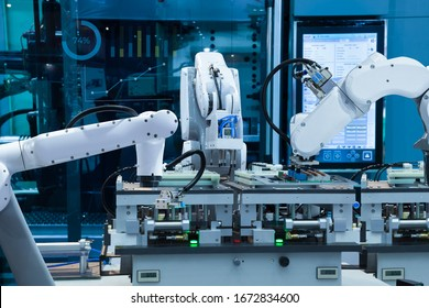 Automated robotic assembly electronic circuit board, Smart factory 4.0 concept