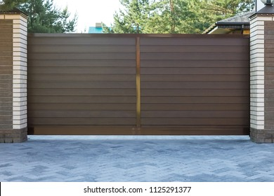 Automatic brown gate in cottage