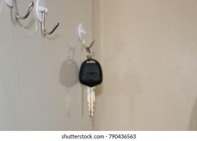automatic car key on hanger, key hanging hanger
