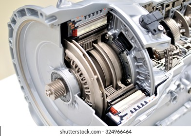 Automatic clutch cross section with gearbox.