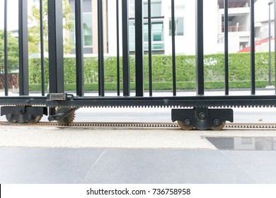 Automatic doors and motor Home page