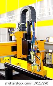 Automatic plasma welding and metal cutting machine