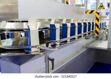 Automatic tape to create packaging and filling of medicines