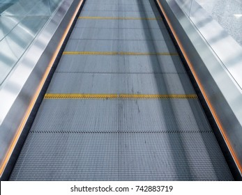Automatic walkway, flat escalator for passenger for the international airport and modern building