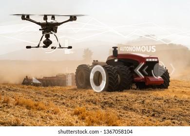 Autonome Zugmaschine und Drohne. Intelligente Landwirtschaft