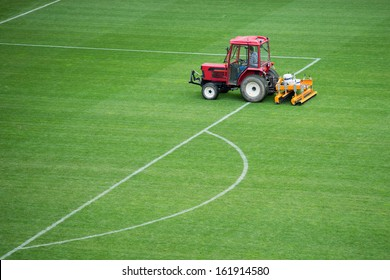 Autumn care of the football pitch