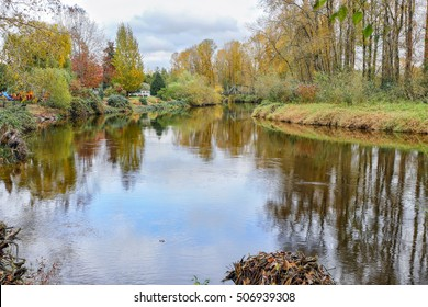 Autumn colors on the Samammish River, Bothell, WA