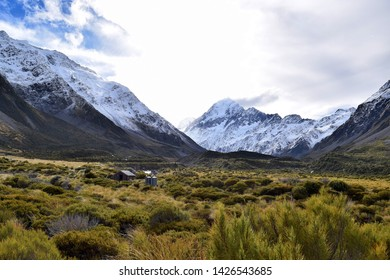 The autumn landscape of Mt Cook from the Hooker Valley Track.