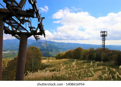 Autumn leaves and rope way at Hakuba