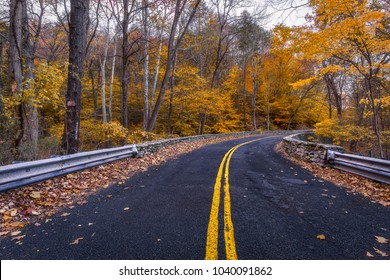 Autumn on the road in Shelton, Connecticut, USA.