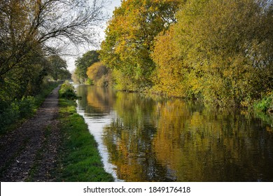 Autumn refelctions on a canal