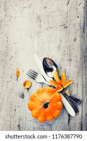 autumn table settings for thanksgivings day background