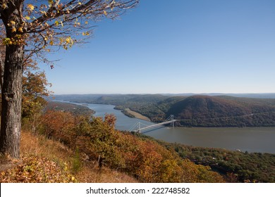 Autumn view of the Hudson River taken from Bear Mountain State Park.