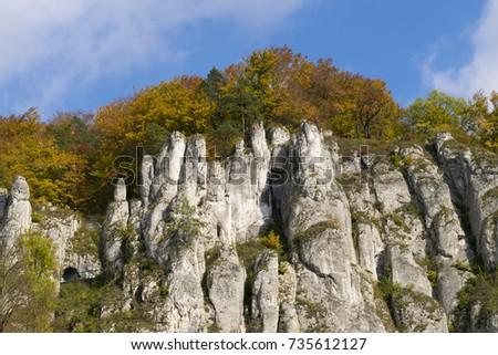 autumn-view-on-rock-ojcow-450w-735612127