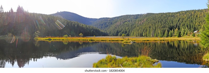 "Autumnal atmosphere at the ""kleiner Arbersee"" in the Bavarian Forest, Germany"