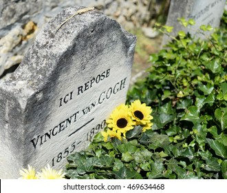 AUVERS-SUR-OISE, FRANCE - JULY 14, 2016: Grave of the famous Dutch post-impressionist painter Vincent Van Gogh (1853-1890) who was psychotic and shot himself at the age of 37
