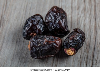 Avce Date (palm fruit).