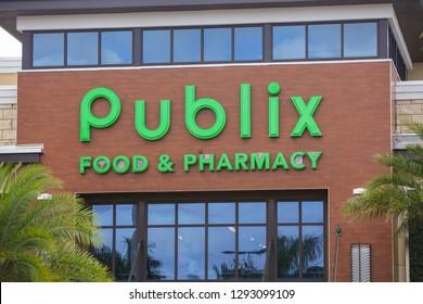 AVENTURA, FL, USA - JANUARY 22, 2019: Publix Supermarket Aventura FL USA