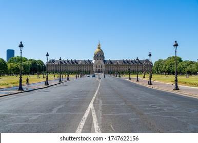 Avenue du Marechal-Gallieni and Esplanade des Invalides with Hotel des invalides in the background - Paris, France