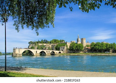 Avignon's bridge and The Popes Palace in Avignon ( city of Popes), France