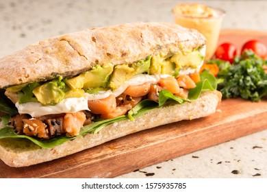 avocado cheese and rucula sandwich